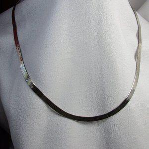 "Vintage 1980's 18"" Flat Herringbone Silver Chain"
